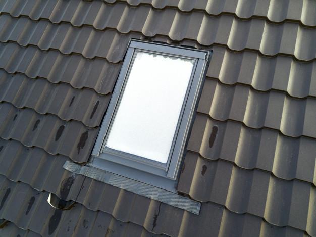 Strešniki in strešna opeka za pokrivanje strehe